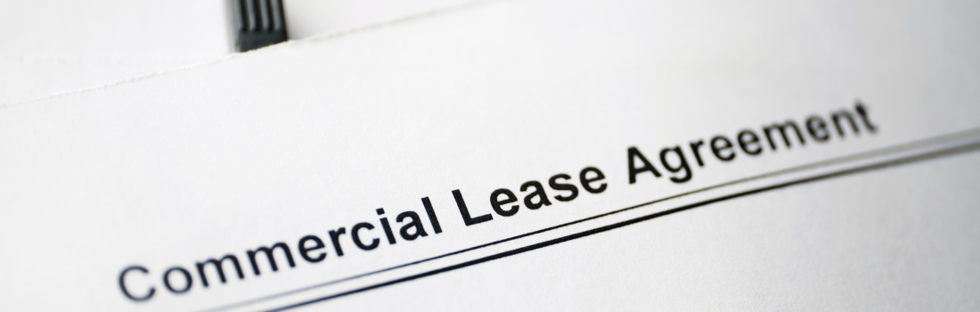 Legal,Document,Commercial,Lease,Agreement,On,Paper.